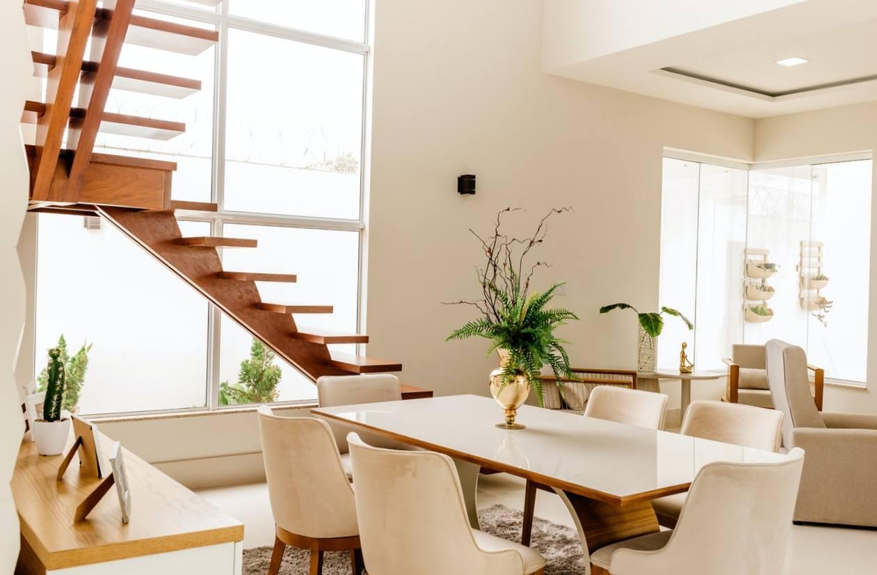 Personnaliser l'escalier bois avec des images
